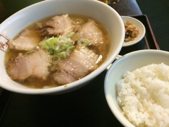 Kitakata Ramen Bannai Yurakucho: ランチ時は半ライスサービス♪