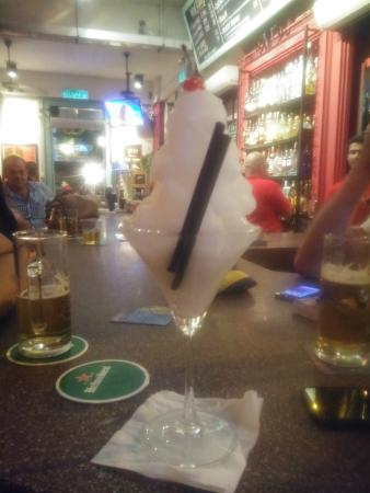 Havana Bar & Grill: .