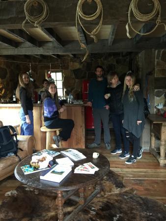 Vina La Montana: En el refugio La Montaña con un rico café, antes de partir al canopy