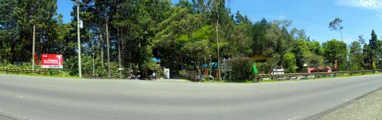 Seagull Mountain Resort: panoramic view of the entrance
