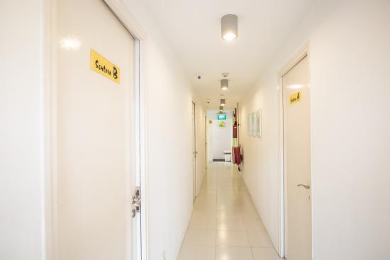 G4 Station: Corridors