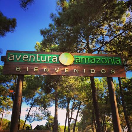 Costa del Sol, Spania: La entrada al parque dónde eres libre para sentirte colgado!