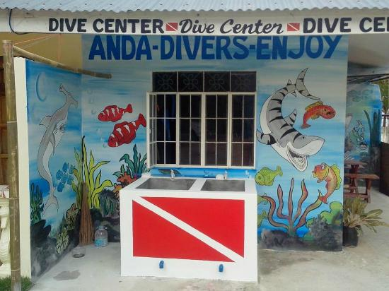 Anda, Philippines: washing area for dive equiptments