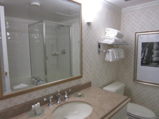 Magnolia Hotel And Spa: Bathroom