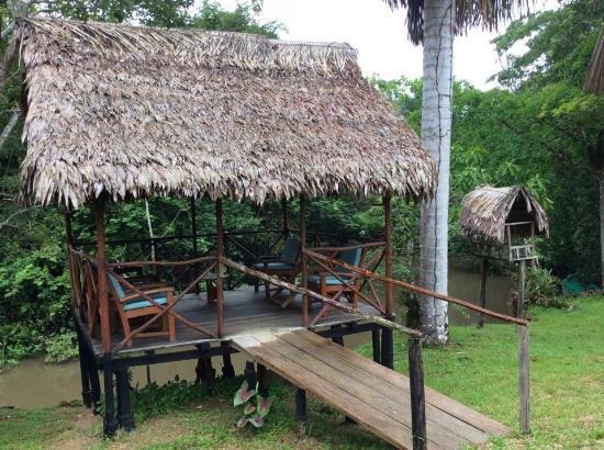 """Amazonas Sinchicuy Lodge: Беседка и """"гамачечная"""""""