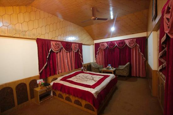 Chandermukhi Cottages: Deluxe