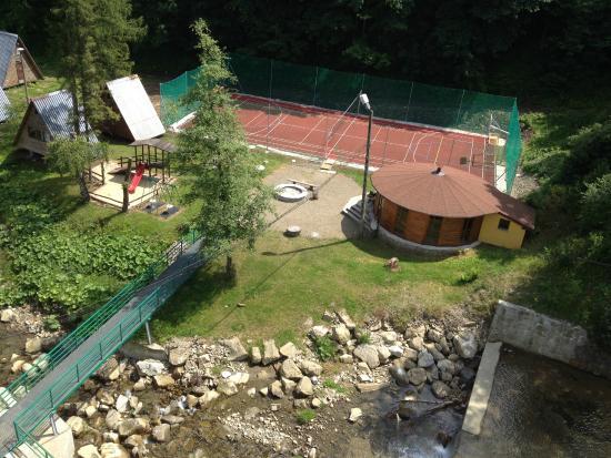 Miedzybrodzie Bialskie, Πολωνία: Boisko i chata grilowa Nad Wodospadem w Międzybrodziu Bialskim