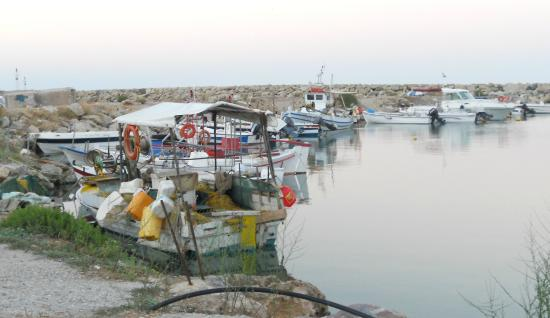 Aphea Village: The little harbour at Kolymbari