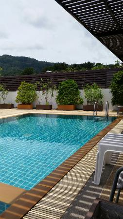 Patong Princess Hotel: Rooftop pool.
