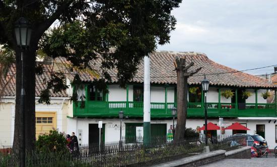 Hotel La Casona del Parque Ubate