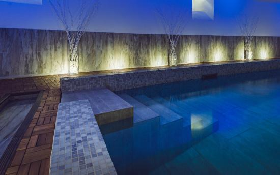 Rock Noir : piscine