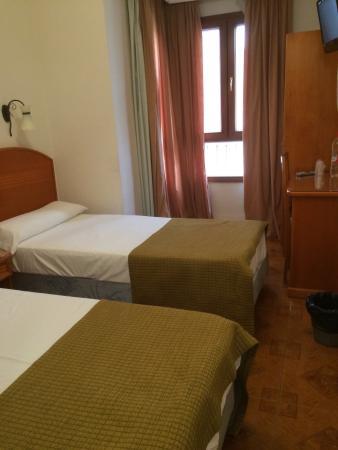 Victoria Hostal Malaga: photo0.jpg