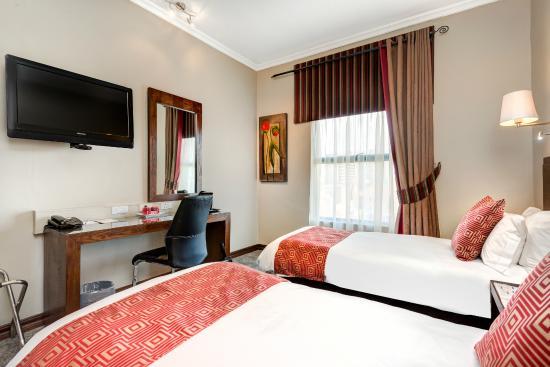 Protea Hotel Hatfield: Standard Twin Room