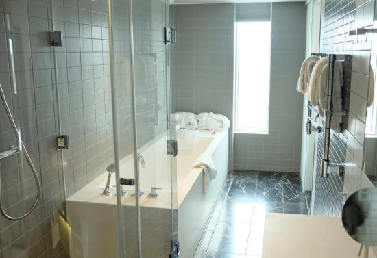 Stort badrum   picture of upper house, gothenburg   tripadvisor