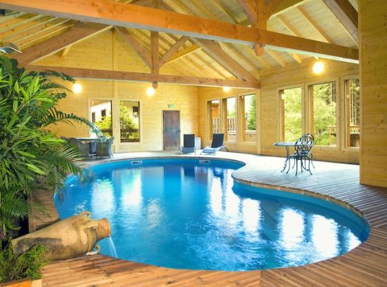Chalet Andu: The Swimming Pool