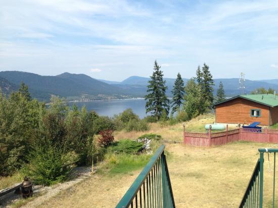 Jade Mountain Motel: vista dalla camera del lago Shuswap