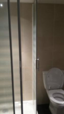 Hotel du Bosquet: bagno