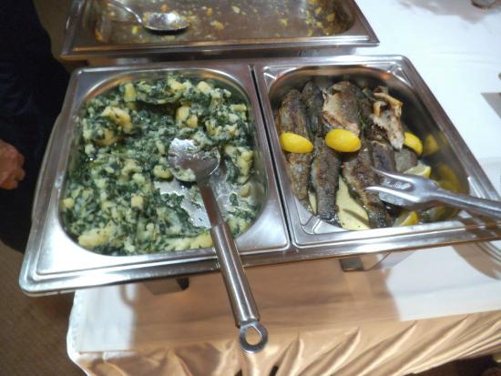 Citluk, Bósnia-Herzegovina: Pietanze buffet
