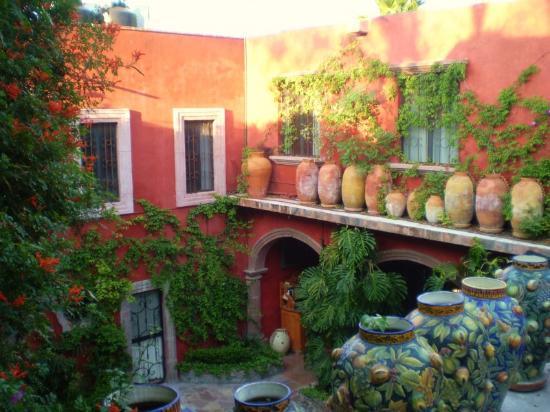 Casaluna Hotel Boutique: vista al jardín desde el 2 piso