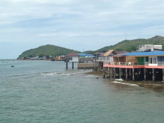 Koh Lan (Coral Island): Town on Koh Lan