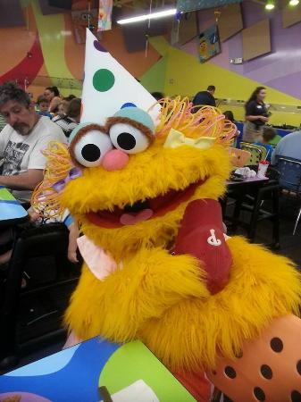 Rosita at meet & greet - Picture of Sesame Place ...