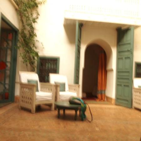 Dar Zitouna : inner courtyard