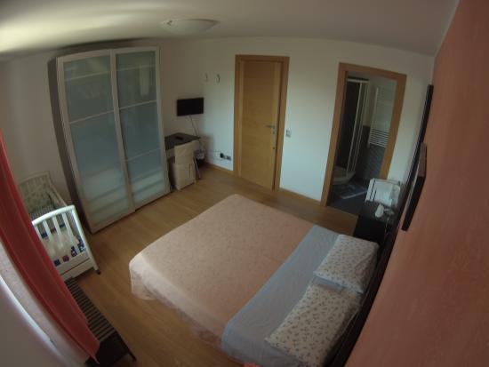 Bed & Breakfast Al Tramonto: La stanza matrimoniale, con bagno privato in stanza