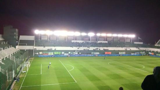 ESTADIO FLORENCIO SOLA CANCHA DE BANFIELD