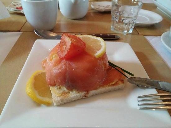 Periwinkle Bed & Breakfast: Huevos revueltos con salmón