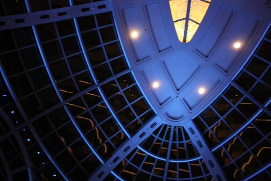 Atrium - Fallsview Casino Resort - Photo Credit: Rick Trus - www.ricktrus.ca