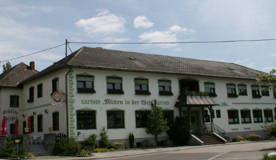 Gasthof Roither - Mitten in der Welt