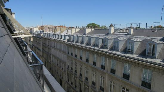 La Reserve Paris - Hotel and Spa: Sacre-Couer view from the suite