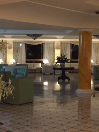 saloni eleganti foto di grand hotel terme di augusto