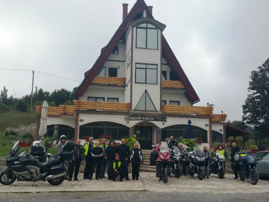 Pansion Winnetou : parcheggio hotel