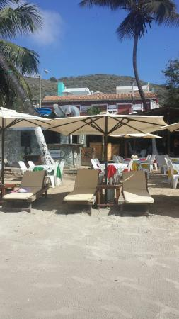 UVAS BEACH RESTAURANT