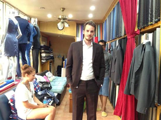 Ash Tailor Samui: slim fit cashmere wool suit