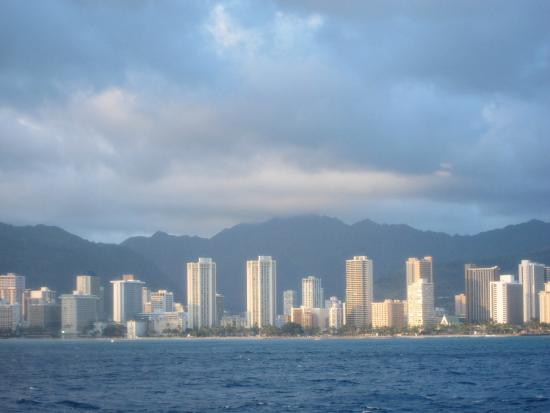 Star of Honolulu - Dinner and Whale Watch Cruises: ワイキキの街