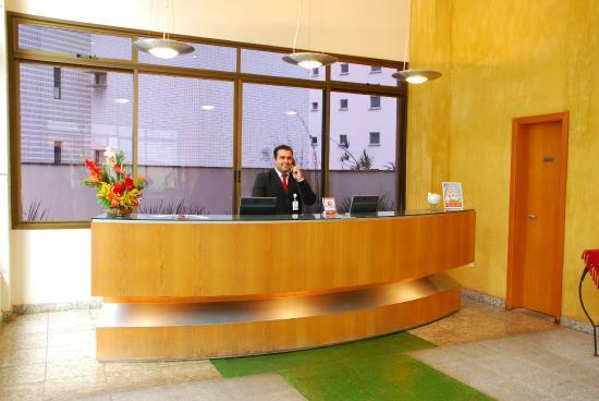 Differential Flat: Recepção Hotel