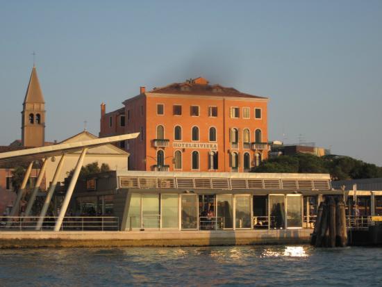 Riviera Hotel: ヴァポレット乗り場すぐのホテル