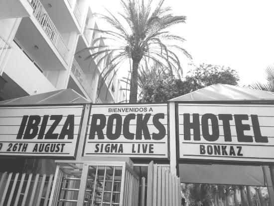 Ibiza Rocks Hotel: Front Entrance