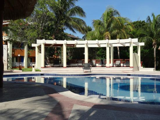 Grand Bahia Principe Coba: One of the many quiet pools on the Coba complex. (La Iguana)