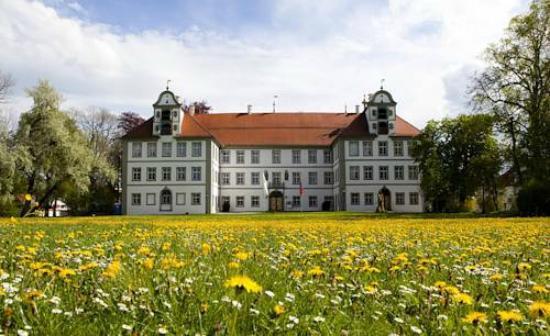 Hotel Gasthof Ochsen: Парк рядом с отелем