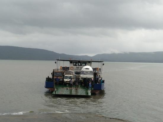Murud, Índia: DIGHI QUEEN FERRY
