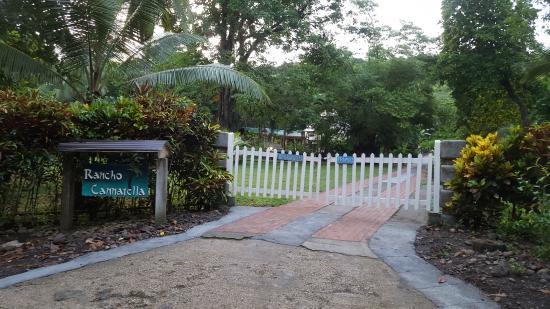 Pavones, Kosta Rika: Front Entrance