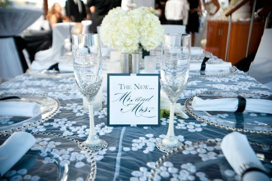 Infinity Ovation Yacht Charters Elegant Head Table Wedding Decor