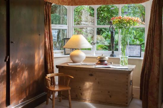Evesham Lodge Bed & Breakfast: Welcome to Evehsam Lodge