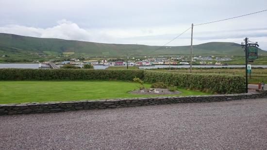 Carraig Liath House: View from the car park toward Portmagee