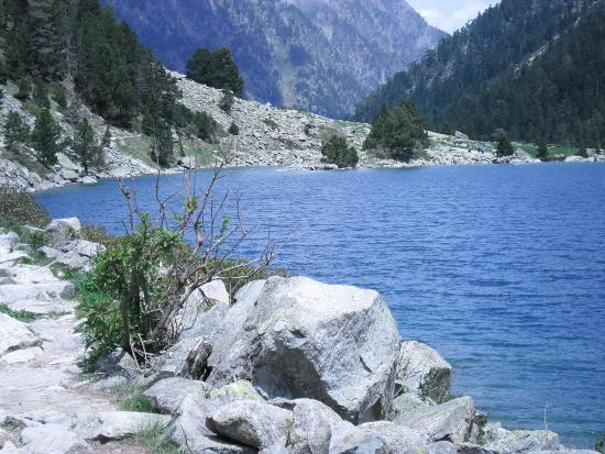 Lac de gaube photo de lac de gaube cauterets tripadvisor - Lac de gaube ...