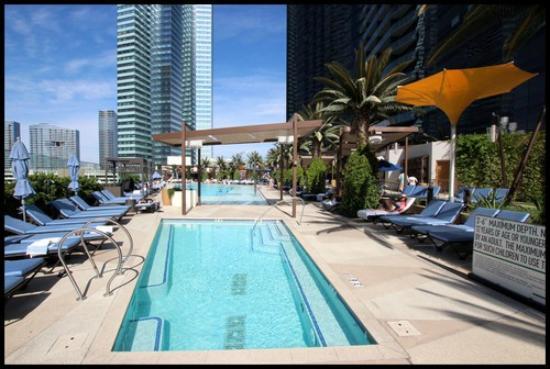 The Cosmopolitan of Las Vegas, Autograph Collection: 14th floor pool
