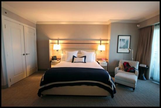 The Cosmopolitan of Las Vegas, Autograph Collection: Bed room